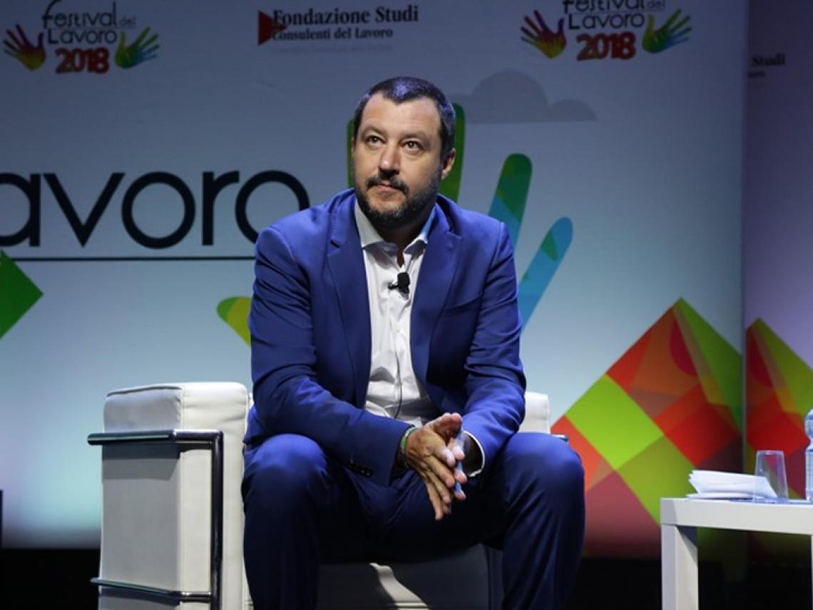 Migranti: Salvini, apriremo centri per rimpatrio in ogni regione